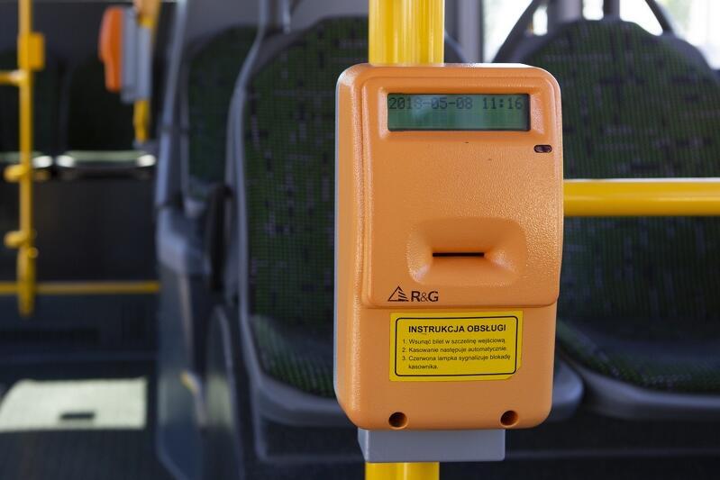 Od kilku lat kasowniki w gdańskich tramwajach i autobusach zostawiają na przekasowanych biletach datę. To ważna zmiana dla kolekcjonerów - dzięki temu wiedzą, kiedy dana edycja biletu została wydana. W biletach użytkowanych w czasach, gdy przekasowanie polegało na przedziurkowaniu, często trudno jest to ustalić
