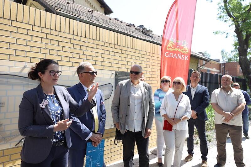 Uroczyste otwarcie Alei Włazow miało miejsce w piątek, 11 czerwca 2021 r. Nz. po lewej: Aleksandra Dulkiewicz - prezydent Gdańska i Jacek Skarbek - prezes GIWK