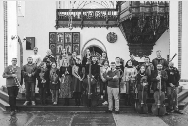 Goldberg Baroque Ensemble, założony przez Andrzeja Szadejkę w 2008 roku, specjalizuje się w interpretacjach muzyki wokalno-instrumentalnej dawnego Gdańska i Pomorza