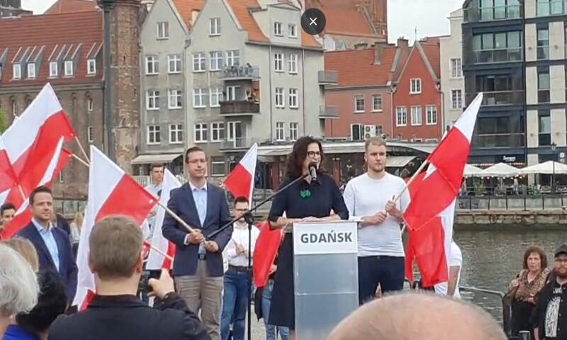 Przy okazji wizyty w Gdańsku, Rafał Trzaskowski, prezydent Warszawy i wiceprzewodniczący PO wystąpił na wspólnej konferencji z Aleksandrą Dulkiewicz, prezydent Gdańska