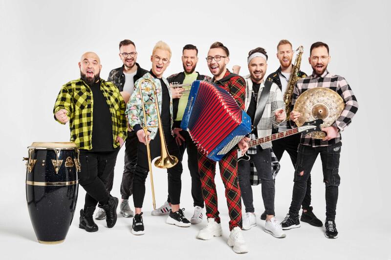 Koncert pełnego energii i radości zespołu Enej będzie główną atrakcją Gdańskiej Nocy Świętojańskiej, która odbędzie się w niedzielę, 20 czerwca