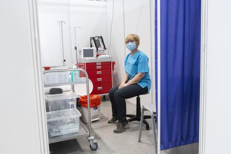 W Punkcie Szczepień Powszechnych UCK przy ulicy Dębowej w Gdańsku dziennie szczepi się nawet 4 tysiące pacjentów