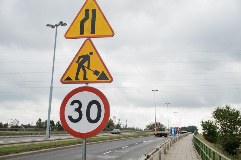 Prace na moście oraz wiadukcie w ciągu ul. Elbląskiej z października 2020 roku, zdjęcie ilustracyjne