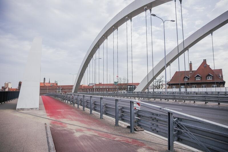 Pomimo trudnego roku, Gdańsk utrzymał tempo inwestycyjne. Zrealizowano m.in. przebudowę wiaduktu Biskupia Górka (koszt 140 mln zł)
