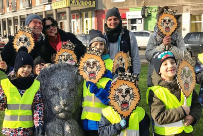 """Spacery z przewodnikiem """"Śladami lwów w Gdańsku"""" to świetna zabawa dla najmłodszych"""