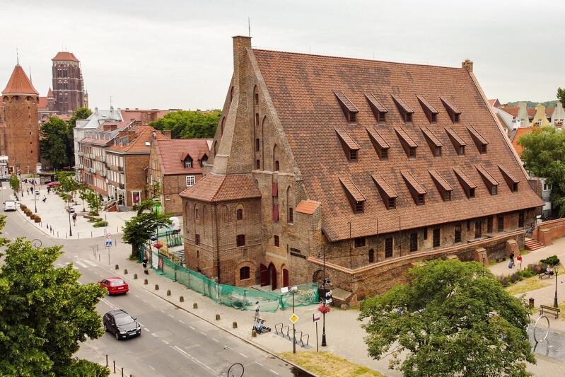 Wielki Młyn w Gdańsku, ujęcie z drona wykonane 24 czerwca 2021r., na miesiąc przed otwarciem w nim nowej siedziby Muzeum Bursztynu