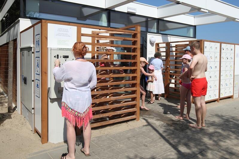 W drugiej połowie lipca br. korzystający z publicznych toalet na plaży będą mogli zapłacić za usługę kartą płatniczą
