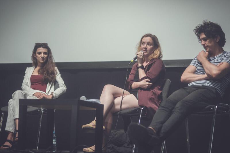 """Ciekawy spektakl Pameli Leończyk (w środku) mogliśmy oglądać w ubiegłym roku w Gdyni - reżyserka pochyliła się nad głośnym tekstem """"Nocni pływacy"""" Jose Manuela Mory"""