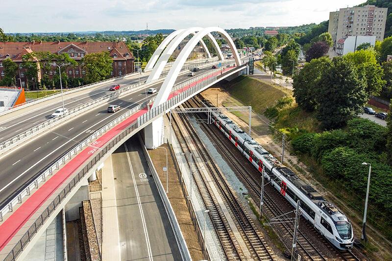 Budowa wiaduktu Biskupia Górka, wraz z przebudową układu drogowego, zakończyła się