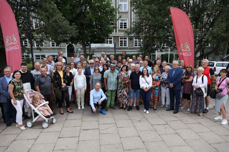 W uroczystości wzięło udział wiele osób - rodzina, przyjaciele i znajomi Macieja Kosycarza