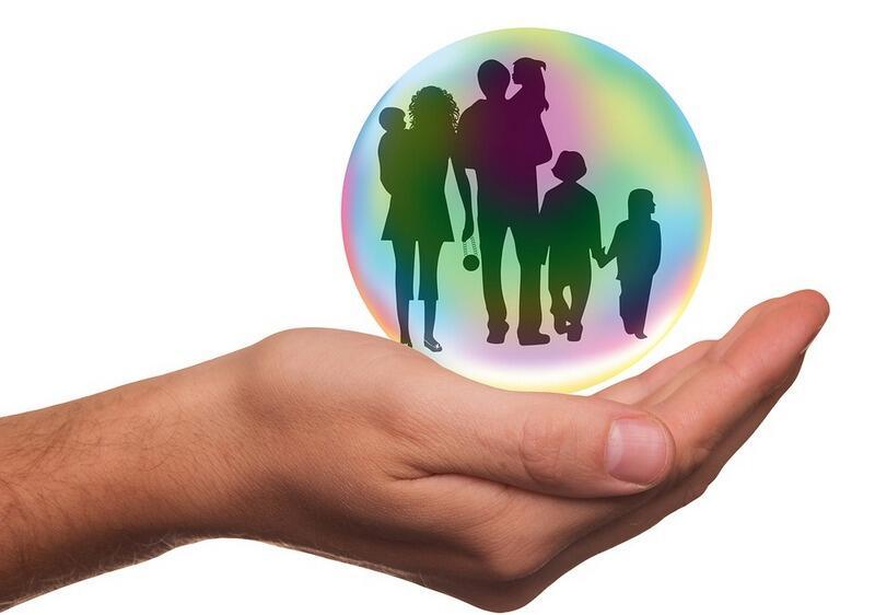 Warto się angażować w pomoc potrzebującym rodzinom z dziećmi (zdjęcie ilustracyjne)