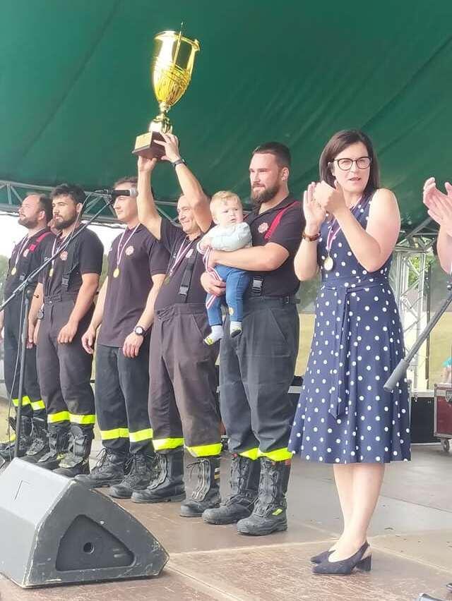Strażacy rywalizowali o puchar prezydent Gdańska. Aleksandra Dulkiewicz bije brawo najlepszym