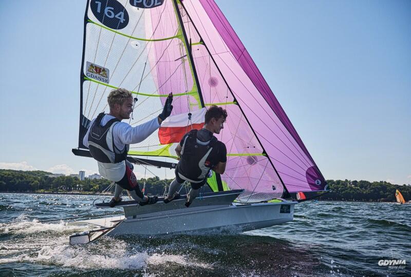 22. Gdynia Sailing Days. Żeglarze AZS AWFiS Gdańsk Mikołaj Staniul i Jakub Sztorch zostali w Gdyni mistrzami świata juniorów w olimpijskiej klasie 49er. Załoga Staniula i Sztorcha okazała się najlepsza w dziewięciu z 15 wyścigów