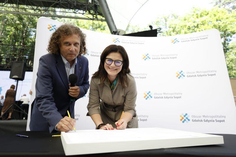 Nz. podpisy składają Aleksandra Dulkiewicz, prezydent Gdańska i Jacek Karnowski, prezydent Sopotu