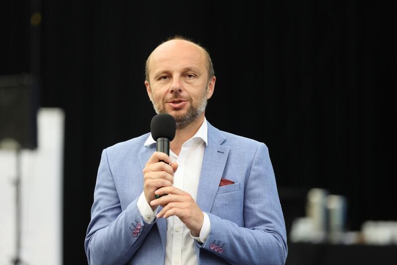 Wśród gości Rady OMGGS znaleźli się też przedstawiciele samorządów z innych regionów Polski. Nz. swoimi doświadczeniami z wyborów dzieli się nowowybrany prezydent Rzeszowa Konrad Fijołek