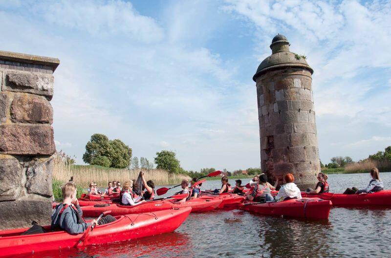 Spływ kajakowy z przewodnikiem to unikatowa możliwość zwiedzenia Gdańska od strony wody