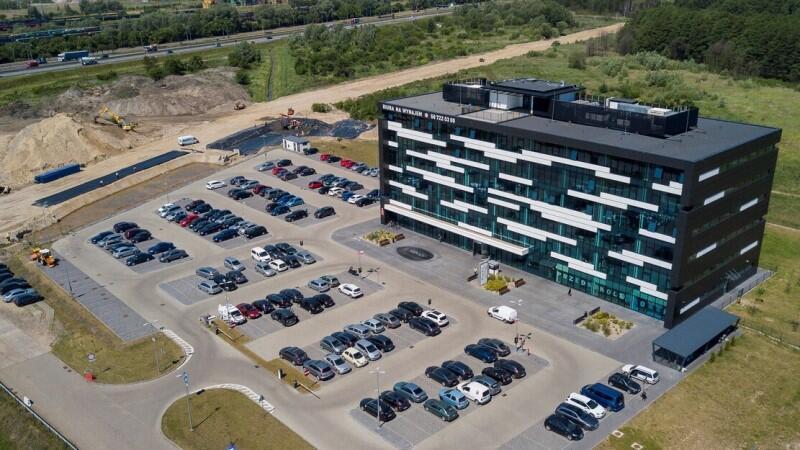Obszar Pomorskiego Centrum Inwestycyjnego, zgodnie z zapisami miejscowych planów zagospodarowania przestrzennego, jest terenem przeznaczonym pod rozwój infrastruktury przemysłowo-portowej