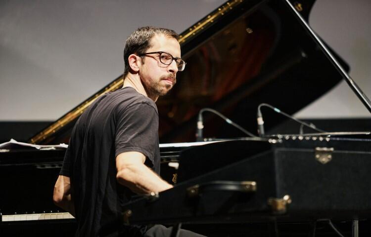 Sam Harris – fortepian