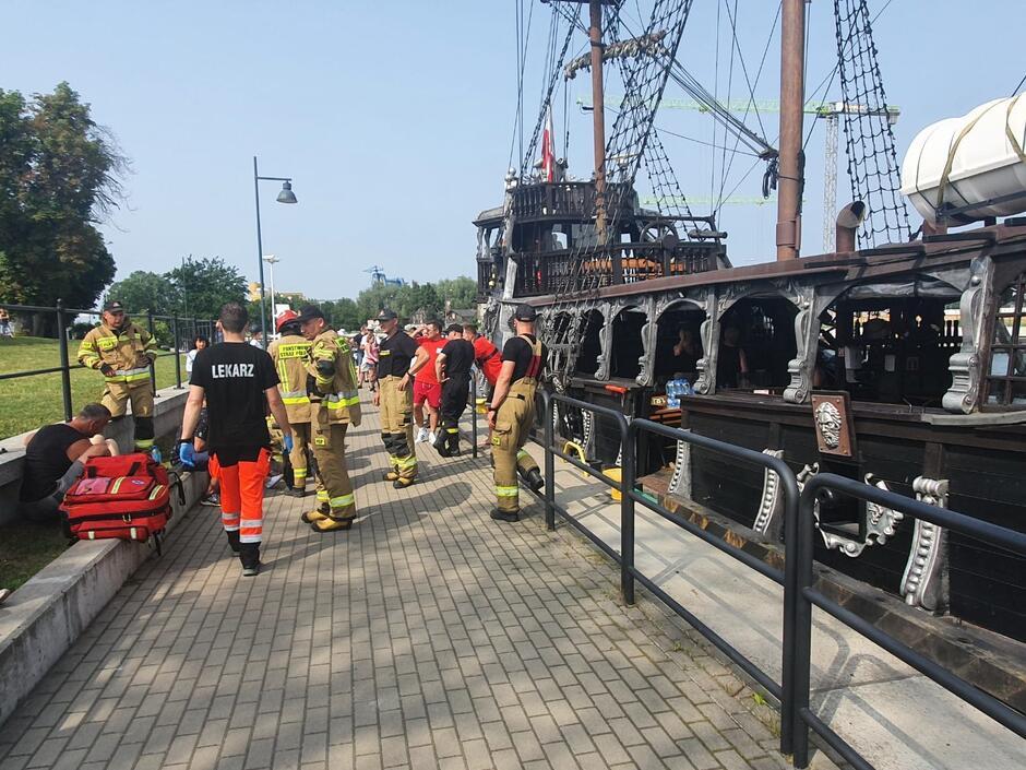 W akcji ratowniczej uczestniczyło aż osiem zastępów Straży Pożarnej, a także policja i pogotowie ratunkowe