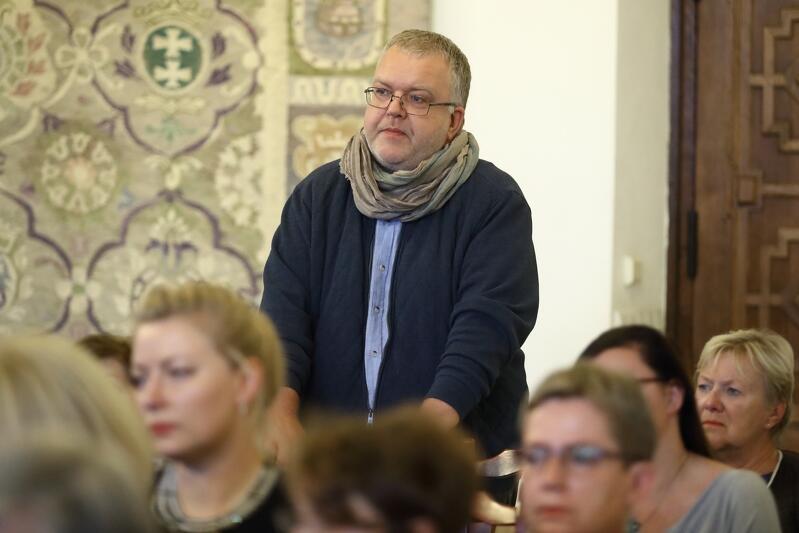 Gdańsk - 2018 r. Dr Jacek Kriegseisen podczas inauguracji wystawy Król Jedzie .