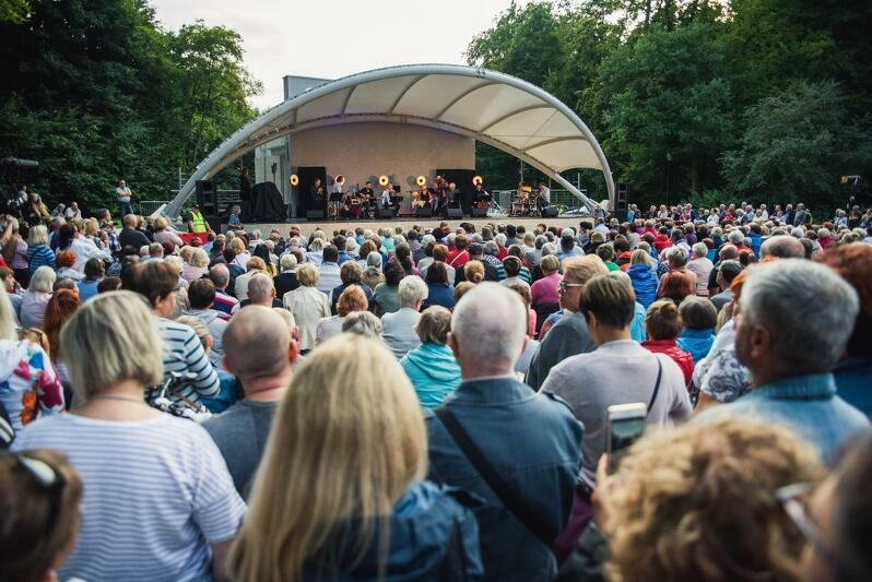 Letnie koncerty w Parku Oruńskim cieszą się dużą popularnością wśród mieszkańców
