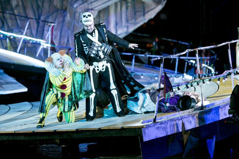 """Libretto do opery """"Rigoletto"""" Giuseppe Verdiego napisał włoski twórca Francesco Maria Piave, na podstawie dramatu """"Król się bawi"""" autorstwa Victora Hugo"""
