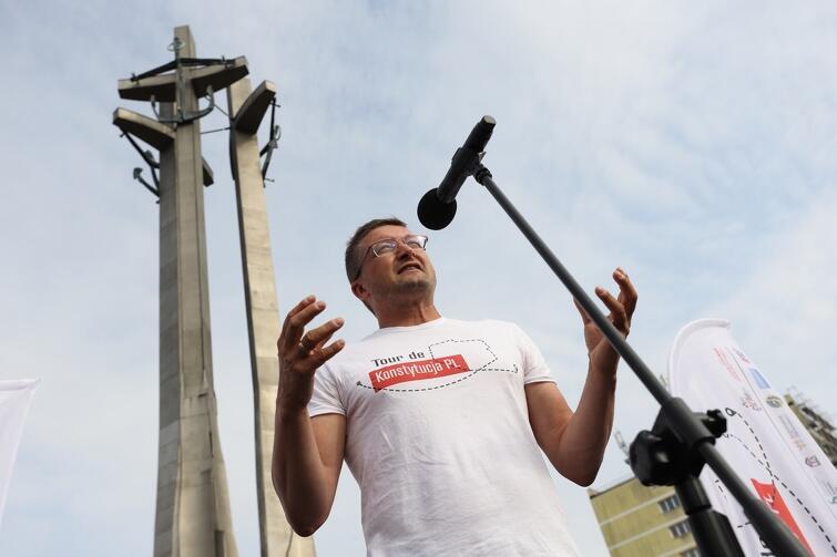 Sędzia Paweł Juszczyszyn zwracał uwagę na to, że niezależnie od poglądów politycznych wszyscy mamy podobne podstawowe pragnienia, a więc bycie wolnym i szanowanym