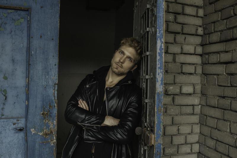 W jedno z bohaterów wcieli się Piotr Witkowski, aktor znany w Trójmieście m.in. z ról w Teatrze Wybrzeże, często biorący udział także w produkcjach telewizyjnych