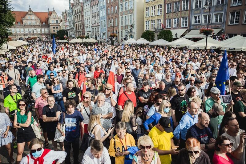 W spotkaniu z Donaldem Tuskiem uczestniczyło ok. 2,5 tys. osób