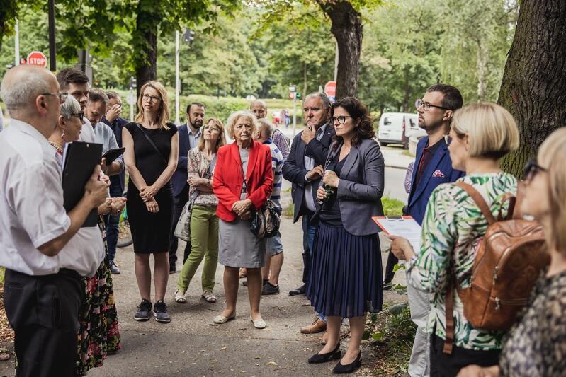 Kolejny w tym miesiącu spacer gospodarski z udziałem prezydent Aleksandry Dulkiewicz odbył się na Siedlcach