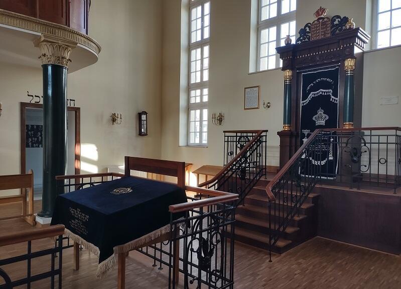 Wnętrze synagogi w Jeszywas Chachmej Lublin