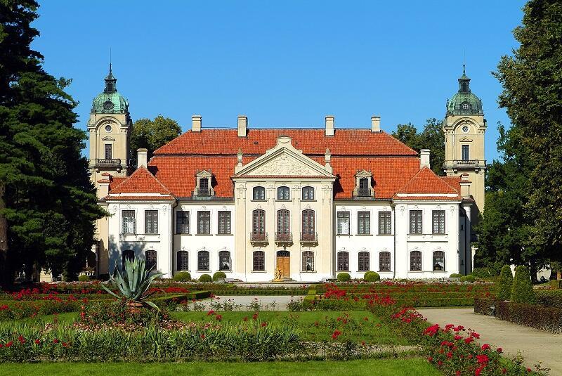Imponujący pałac i przepiękny ogród czyli Muzeum Zamoyskich w Kozłówce