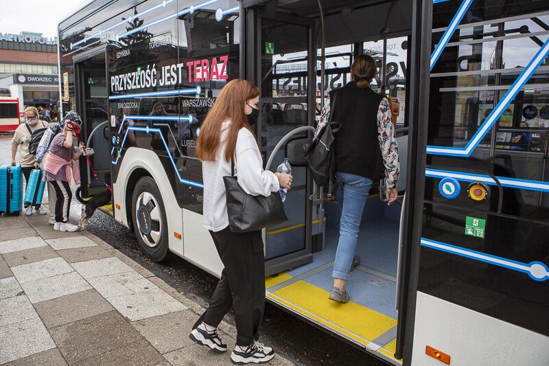 Do 15 sierpnia można jako pasażer jeździć elektrycznym autobusem w Gdańsku