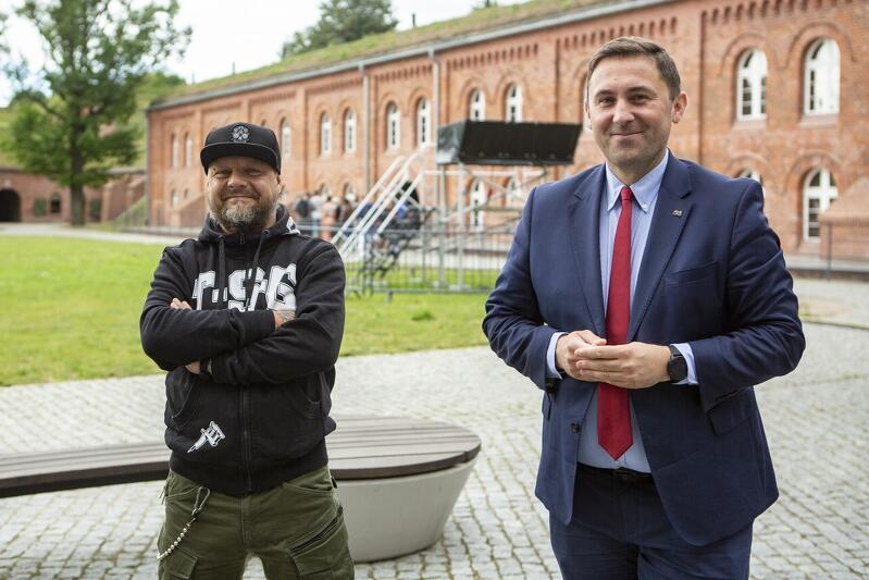 Piotr Borawski, zastępca prezydent Gdańska, podkreśla, że to forma podziękowania medykom za ich ogromny wysiłek w walkę z pandemią covid-19