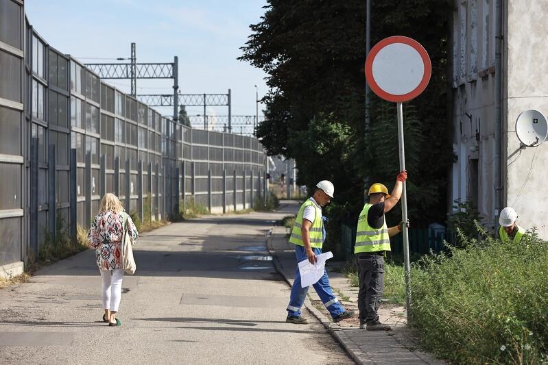 Ul. Przy Torze, od czwartku (5 sierpnia), częściowo zamknięta w ramach I etapu kompleksowego remontu jezdni, chodników i infrastruktury wodociągowej i kanalizacyjnej
