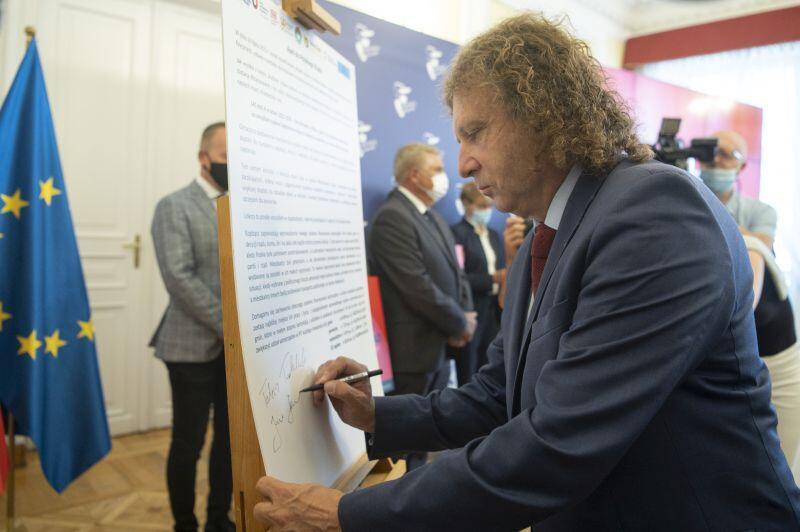 Apel do rządu. Nz. prezydent Sopotu Jacek Karnowski