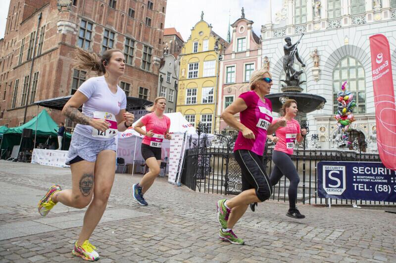 Długi Targ. Bieg kobiet na 5 km