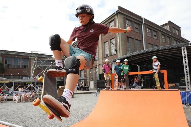 Niedziela była się ostatnim dniem 9. Soundrive Festival. Muzycznym doznaniom, które oferowała scena zbudowana na placu przy ul. Narzędziowców, towarzyszyły emocje sportowe