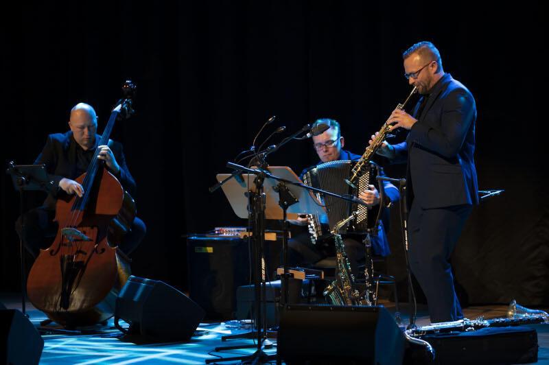 Zagan Acoustic to wykonujący muzykę z pogranicza awangardy, jazzu i folku zespół występujący na wieu estradach koncertowych w Polsce i Europie