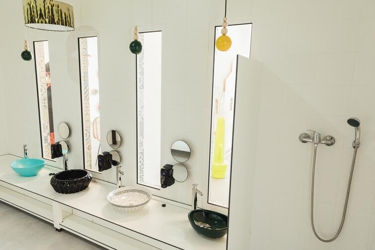 Kolorowa łazienka w Bursztynowym przedszkolu
