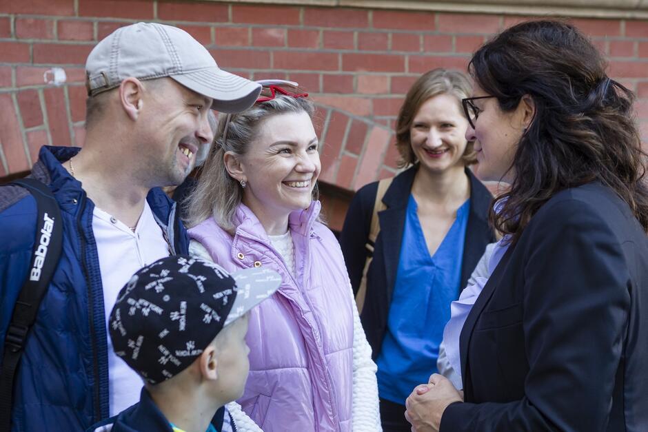 Prezydent uroczyście powitała jedną z dwóch zaproszonych do Gdańska rodzin repatriantów z Kazachstanu