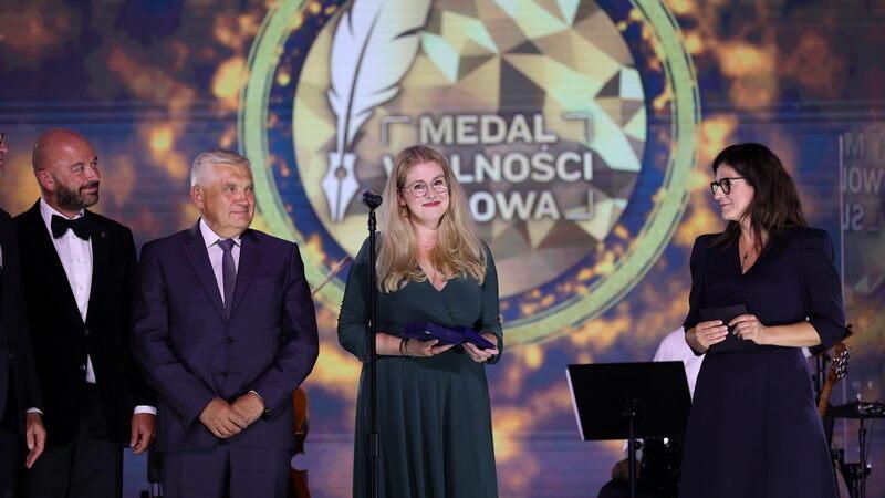 Medal w kategorii Obywatel z rąk prezydent Gdańska Aleksandry Dulkiewicz otrzymała Agnieszka Jankowiak-Maik