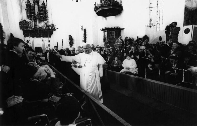 Jan Paweł II w encyklice Laborem exercens  podniósł solidarność do rangi cnoty chrześcijańskiej
