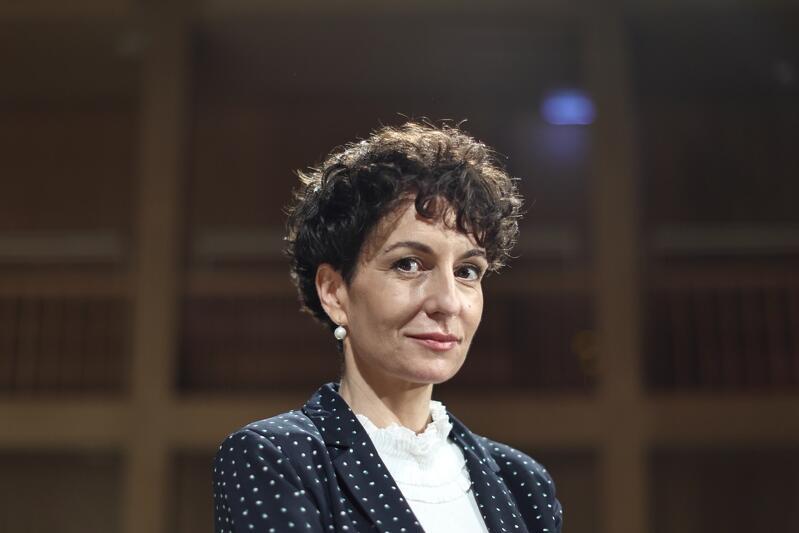 Agata Grenda, nowa dyrektor Gdańskiego Festiwalu Szekspirowskiego. Wcześniej pełniła ważne funkcje dyplomatyczne oraz kierownicze, realizowała międzynarodowe i krajowe projekty kulturalne, współpracowała z festiwalami i instytucjami kultury w kraju i za granicą