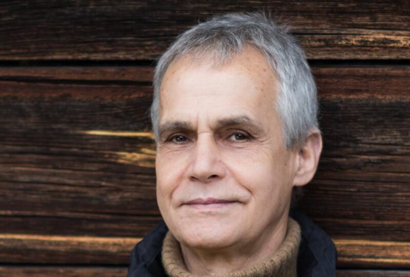 Kolejnym gościem cyklu Przyrodopisanie po polsku  będzie Zenon Kruczyński, przez wiele lat myśliwy, obecnie aktywista na rzecz praw zwierząt, autor głośnej książki  Farba znaczy krew . Spotkanie w piątek, o godz. 18, w Domu Zarazy w Oliwie
