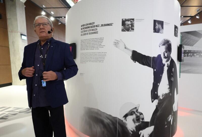 Pomysłodawcą wystosowania Posłania był 30-letni wówczas lekarz pediatra Henryk Siciński. Podczas Święta Wolności 2021 Henryk Siciński poprowadził grupę zwiedzających szlakiem wspomnień po wystawie stałej ECS
