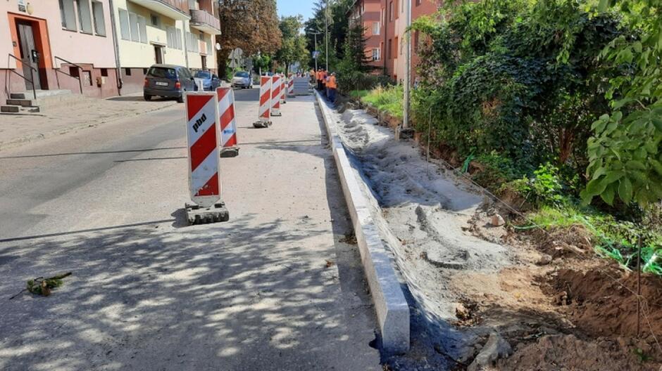 Modernizacja prowadzona jest na odcinku o długości ok. 970 metrów - od ul. Bema do wysokości zjazdu w ul. Kartuską