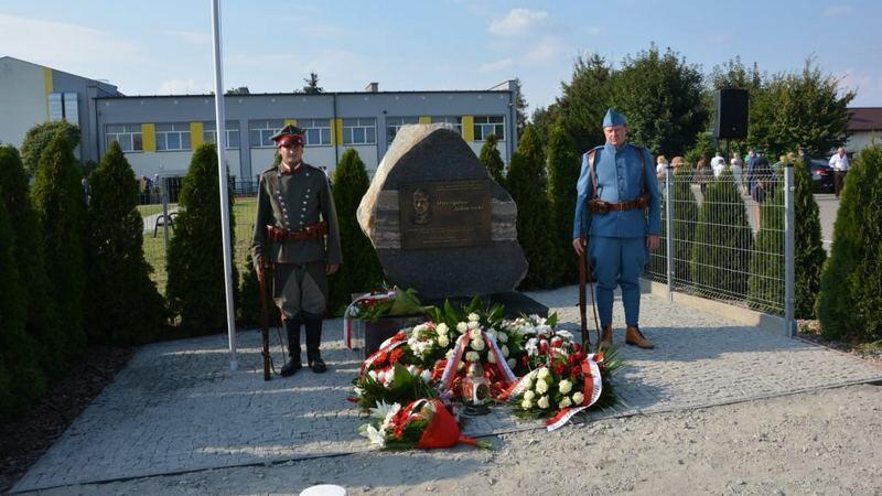 Obelisk poświęcony Mieczysławowi Jałowieckiemu