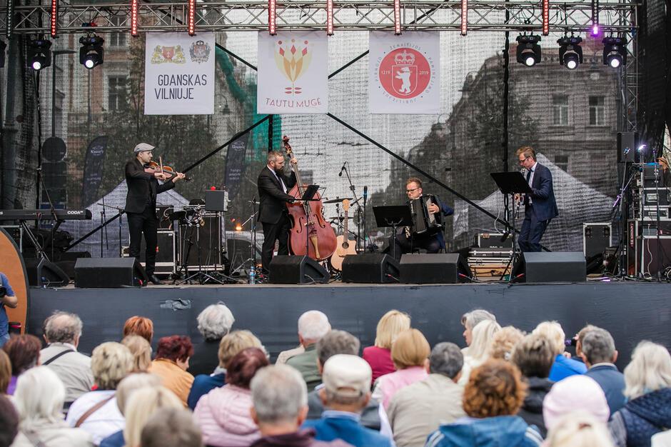 Ważną częścią festiwalu Gdańsk w Wilnie  są koncerty. W tym roku artyści z Trójmiasta wystąpią w piątek i sobotę, 17-18 września