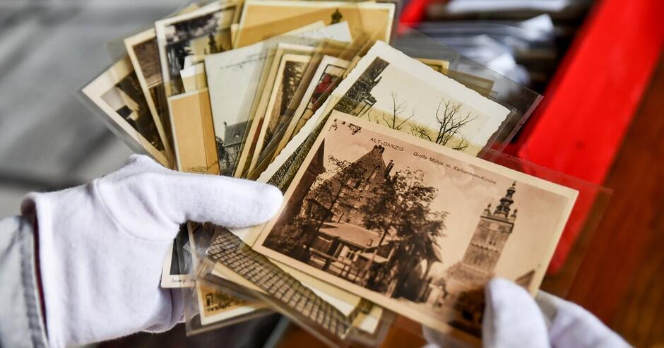 Zbiór pocztówek z dawnym Gdańskiem. Dary przekazane Muzeum Gdańska